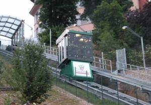 Collaudo decennale, l'ascensore inclinato di Cuneo chiuso dal 29 maggio al 7 giugno
