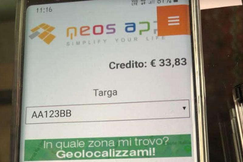 A Fossano sbarca 'Neos App', l'applicazione per pagare i parcheggi in zona blu
