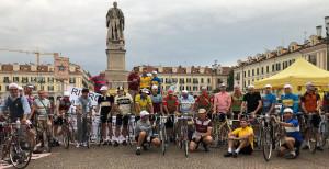 E' partita alle 4 di stanotte la Cuneo-Pinerolo 'storica': trentuno temerari sulle salite di Fausto Coppi