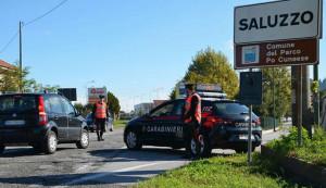 All'arrivo dei Carabinieri nascondono la droga in una siepe: segnalati alla Prefettura due giovani di Saluzzo