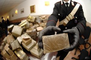 Scoperta una rete di spaccio di cocaina e hashish tra Alba e Bra, arrestati due romeni