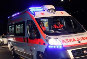 Frontale tra due auto: gravemente ferita una ventenne di Trinità
