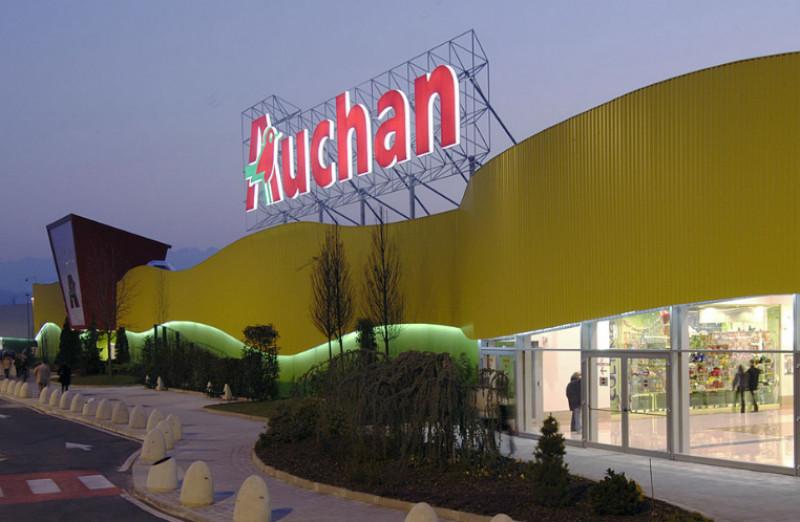 Ruba un cellulare all'Auchan, ma torna per farselo configurare: condannato l'autore del 'colpo goffo'