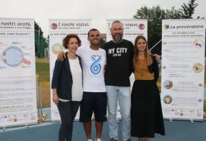 L'atleta paralimpico Daniele Cassioli ha incontrato i bambini con disabilità visiva a Fossano