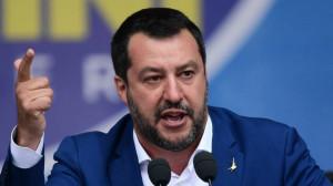 Illeciti nella gestione dei migranti, Salvini: 'Altro che solidarietà. Tolleranza zero per i furbetti dell'accoglienza'