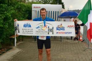 L'impresa di Corrado Gallian: guarito dal mieloma, taglia il traguardo di una tripla Ironman in Austria