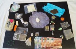 In casa hanno LSD, anfetamina, eroina, ecstasy e altre droghe: arrestata una giovane coppia di Savigliano