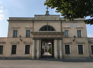 Nuovi atti vandalici nei cimiteri di Cuneo, indaga la Polizia Municipale