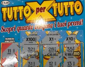 Compra un Gratta e Vinci da cinque euro, ma non vince niente