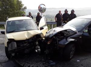 Violento scontro tra auto tra Carrù e Farigliano, i feriti trasportati all'ospedale di Mondovì