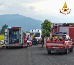 Scontro tra tre auto sulla tangenziale di Mondovì, sul posto l'elisoccorso