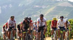 Ciclismo, Annalisa Prato e Piero Lorenzini vincenti nella Granfondo Alta Langa