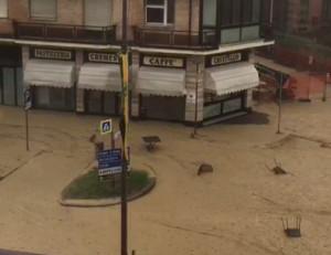 Violento nubifragio ad Alba e nelle Langhe: strade allagate, smottamenti e danni ai vigneti (VIDEO)