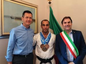 Narzole, ricevuto in Municipio Sai El Mahyaoui, 'azzurro d'Italia'