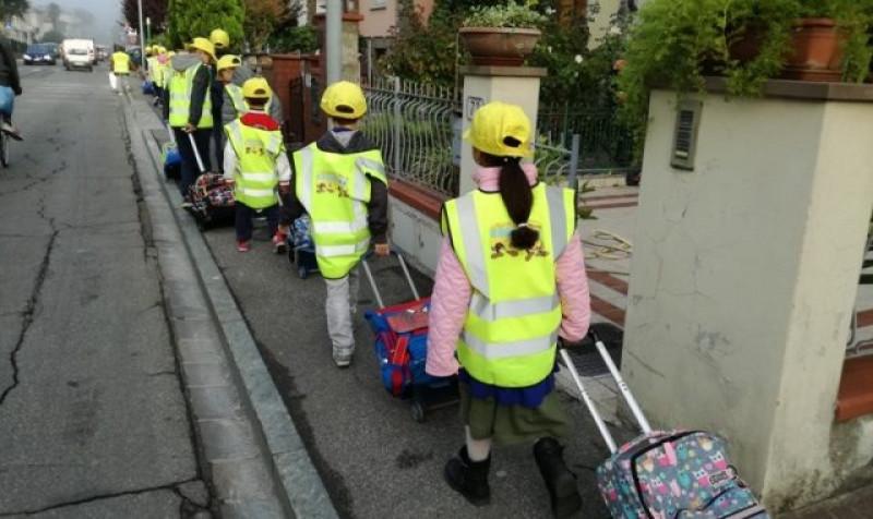 A Mondovì con l'inizio delle scuole torna il 'Pedibus'