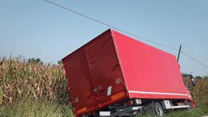 Incidente a Scarnafigi, furgone fuori strada in via Cervignasco