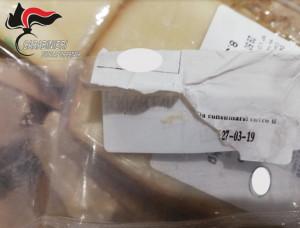 Offrivano assaggi di un formaggio scaduto a luglio, sanzionati per 10 mila euro