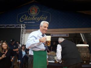 Con l'apertura della prima botte di birra è iniziata l'edizione 2019 dell'Oktoberfest Cuneo