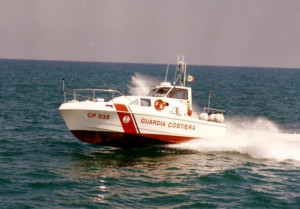 Sessantenne cuneese tenta il suicidio a Ventimiglia nuotando verso il largo: salvata dalla Capitaneria di Porto