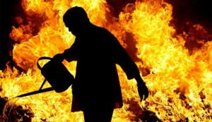 Appiccarono il fuoco a una villetta di Pogliola, due egiziani sotto processo