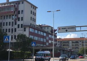 Cuneo, auto fuori strada a Tetto Croce: due ragazze ferite