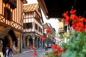 Mail diffamatorie contro un albergo di Limone, condannato un turista svizzero