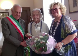 Verzuolo festeggia i cent'anni di Caterina Roggero