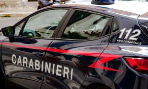 Aggredito e rapinato in piazza Europa alle 6.30 del mattino da un uomo incappucciato