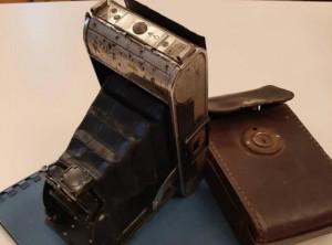 La macchina fotografica con cui don Giuseppe Bruno testimoniò la Resistenza donata al Museo di Chiusa Pesio