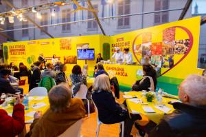 Coldiretti: ad Alba sarà un weekend 'in giallo' con il Campagna Amica Day tra gusto, sorprese e divertimento
