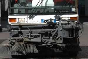 Cuneo, dal 15 novembre sospesi i divieti di sosta per la pulizia delle strade