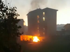 Busca, a fuoco capanno degli attrezzi in mezzo alle case (VIDEO)