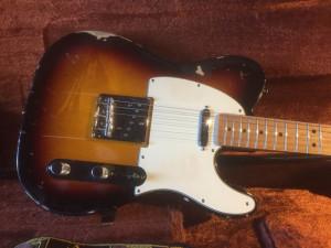 Ruba due chitarre elettriche e cerca di venderle online: denunciato un quarantunenne