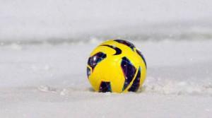 Il calcio si arrende alla neve: rinviate tutte le partite dei campionati provinciali