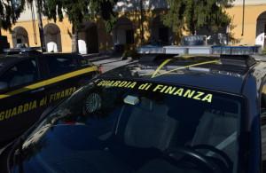 Saluzzo, controlli della Finanza sulle sigarette elettroniche: sequestri e sanzioni per 250 mila euro