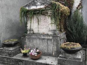 Al cimitero di Bra sono disponibili dieci tombe storiche