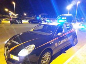Saluzzo, andavano a prendere i figli a scuola in auto nonostante avessero bevuto: denunciati