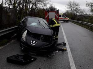 Incidente a Magliano Alpi: tre auto coinvolte, cinque feriti