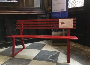 Anche la Camera di Commercio di Cuneo ha la sua Panchina Rossa contro la violenza sulle donne