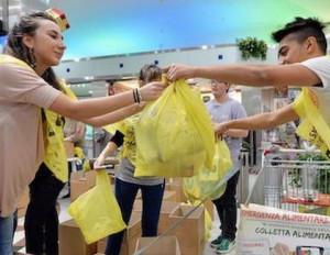 Sabato 30 novembre colletta alimentare in 219 supermercati della Granda