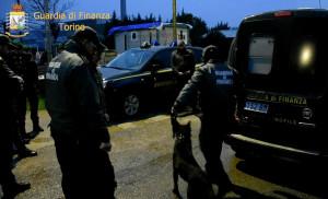 Perquisizioni a caccia di esplosivi e denaro contante nei campi nomadi di Camagnola, Asti e Alba (VIDEO)