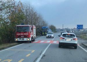Camion fuori strada, rallentamenti tra Confreria e San Defendente di Cervasca