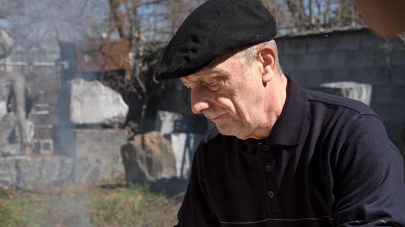 Addio allo scultore Raffaele Mondazzi, autore del monumento ai fiumi di Cuneo