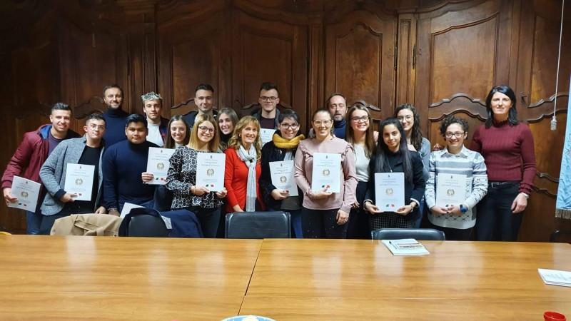 Cervere, il Comune festeggia i diciottenni 'di sana e robusta Costituzione'