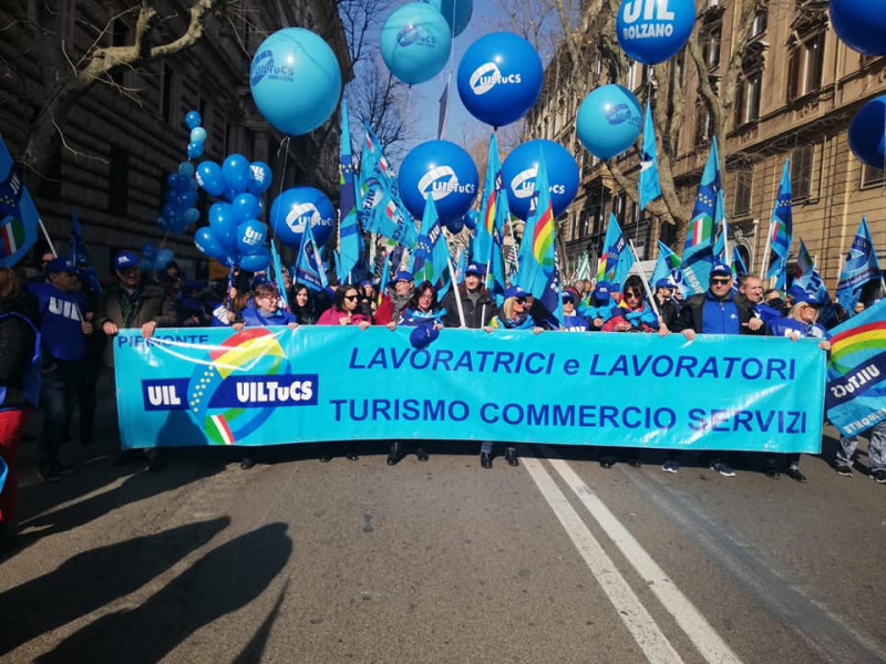 Euronics, lavoratori Uiltucs in sciopero all'Auchan