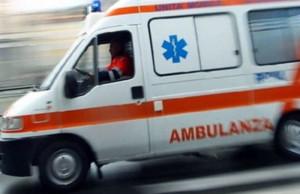 Piasco, in auto contro un palo in corso Europa: trasportata all'ospedale di Saluzzo