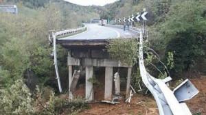 A6, iniziata la ricostruzione del viadotto crollato a novembre: fine lavori entro il 7 marzo