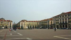 Cuneo, aggredì il rivale in amore in piazza Galimberti: condannato un 50enne