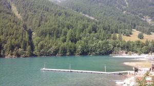 Multa da 50 euro per chi verrà sorpreso a camminare sul lago ghiacciato a Pontechianale