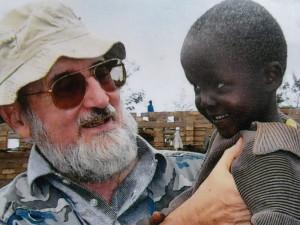 In Provincia la mostra fotografica 'Padre John Cugnod e la sua amata Africa'